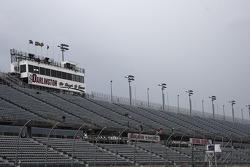 Rain delays the practice session