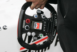 Steering wheel of Helio Castroneves