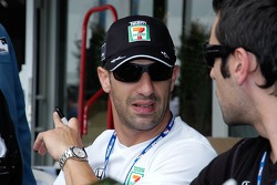 Tony Kanaan seeks guidance from Dario