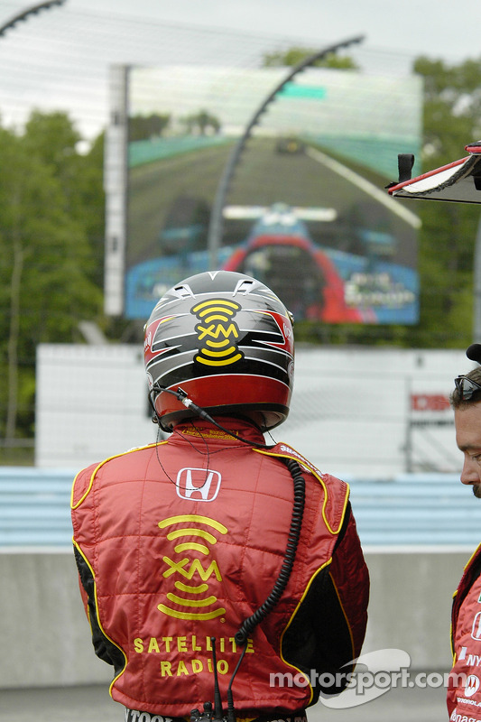 L'équipe Andretti regarde l'écran géant