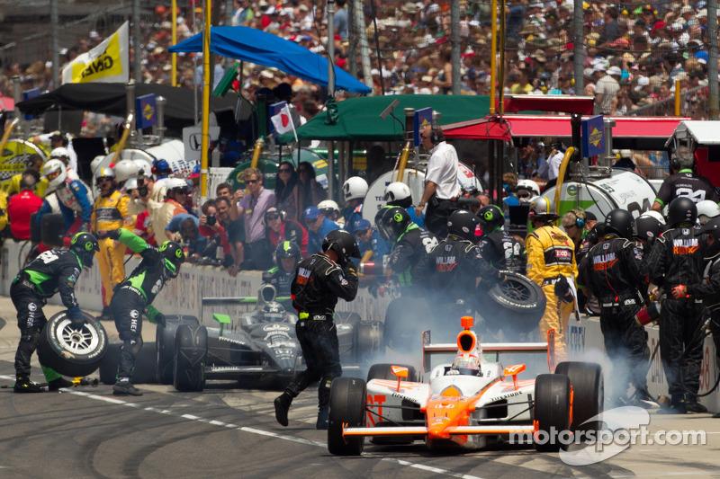 2011: Pitstop Dan Wheldon, Bryan Herta Autosport with Curb / Agajanian