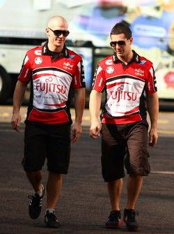 #33 Fujitsu Racing/Garry Rogers Motorsport: Lee Holdsworth, #34 Fujitsu Racing/Garry Rogers Motorsport: Michael Caruso