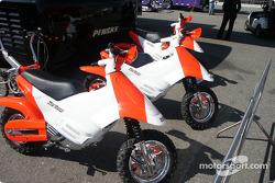 Marlboro Team Penske pit bikes