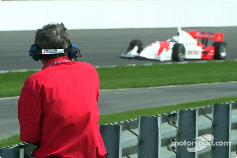 Big Al watching the practice session