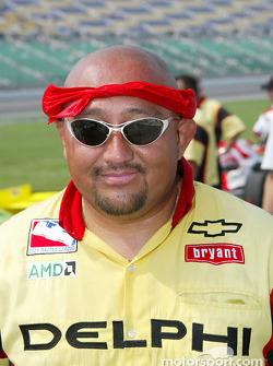 Kelley Racing crew member Carlos Fernandez