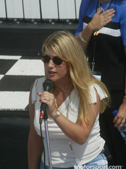 Amy Bratton signing National Anthem