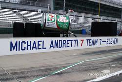 Michael Andretti's pitstall
