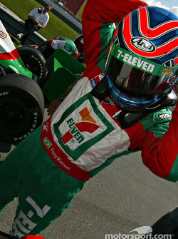 Tony Kanaan gets ready