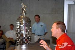 Al Unser Jr. announces retirement