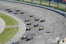 Start: Tony Kanaan leads Buddy Rice