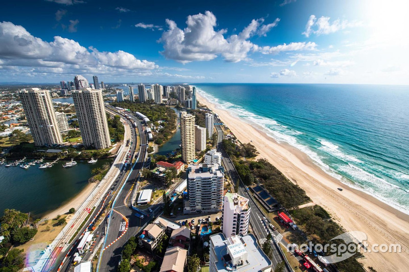 #8: Atmosphäre in Surfers Paradise
