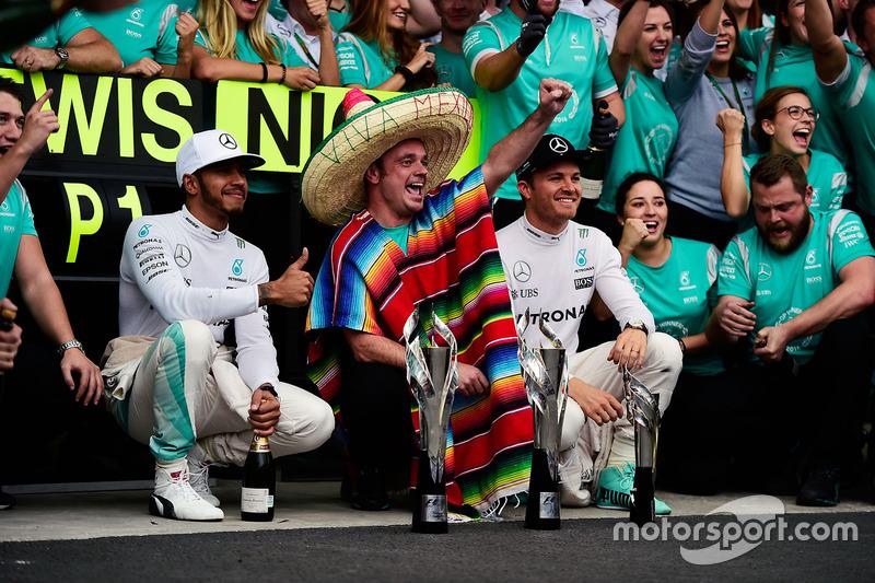 Nico Rosberg y Lewis Hamilton en México