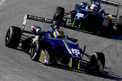 Кейван Андрес, Carlin Motorsport