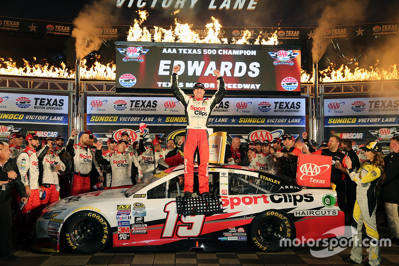 Fort Worth: Carl Edwards (Gibbs-Toyota)