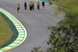 Ознакомление с трассой: Сергей Сироткин, тест-пилот Renault Sport F1