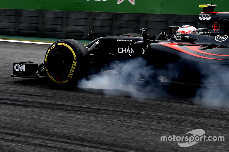 16. Jenson Button, McLaren MP4-31