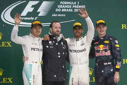 Podium: Nico Rosberg, Mercedes AMG F1, second; Lewis Hamilton, Mercedes AMG F1, race winner; Max Verstappen, Red Bull Racing, third