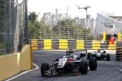 Даніель Хункаделья, Hitech GP Dallara Mercedes