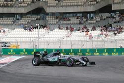 Lewis Hamilton, Mercedes AMG F1 W07 Hybrid en tête-à-queue