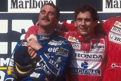 Podyum: 2. ve Dünya Şampiyonu Nigel Mansell, Williams Renault, yarış galibi Ayrton Senna, Mclaren Honda