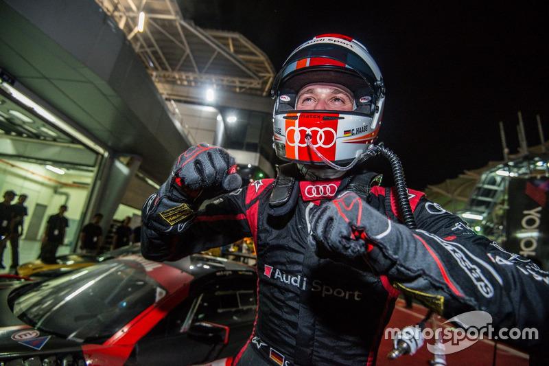 El ganador #15 Audi Sport Team Phoenix, Audi R8 LMS: Christopher Haase