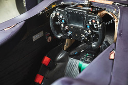 Cockpit del coche de Pierre Gasly, Team Mugen