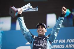 Podium: Race winner Sébastien Buemi, Renault e.Dams