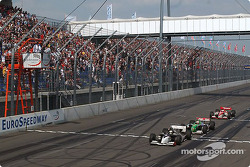 Sébastien Bourdais takes the checkered flag ahead of Mario Dominguez and Michel Jourdain Jr.