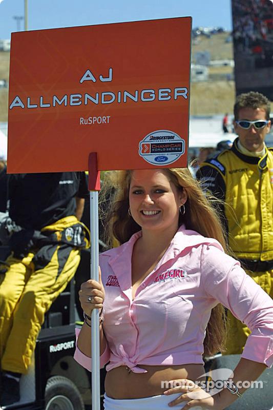 La Grid Girl d'A.J. Allmendinger