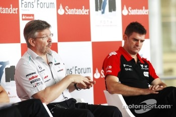 Ross Brawn and Graham Lowden (Marussia Virgin)