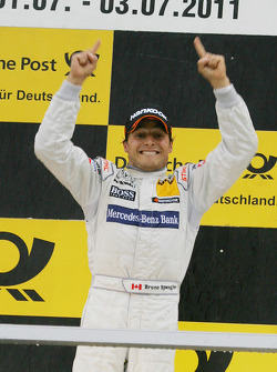Podium: race winner Bruno Spengler, Team HWA AMG Mercedes