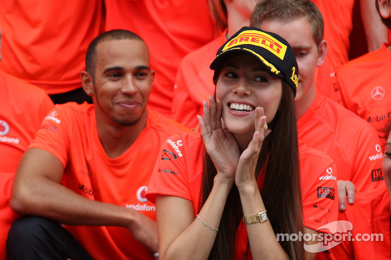 Lewis Hamilton, McLaren Mercedes, Jessica Michibata girlfriend of Jenson Button celebrate with the t