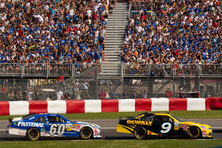 Marcos Ambrose, Petty Motorsport Ford and Carl Edwards, Roush-Fenway Ford