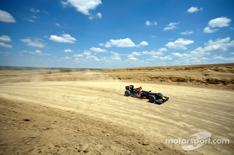 David Coulthard drives the Red Bull F1 car on the Circuit of the Americas in construction
