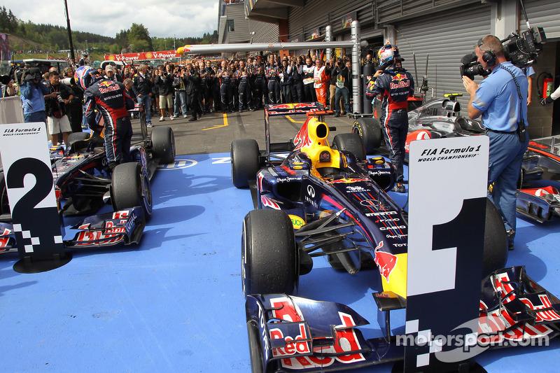 Yarış galibi Sebastian Vettel, Red Bull Racing, 2. Mark Webber, Red Bull Racing