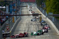 Scott Dixon, Target Chip Ganassi Racing and Simona De Silvestro, HVM Racing