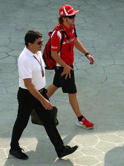 Fernando Alonso, Scuderia Ferrari and his manager