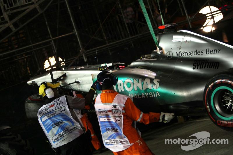 2011 - 29e tour : L'accrochage entre Michael Schumacher et Sergio Pérez