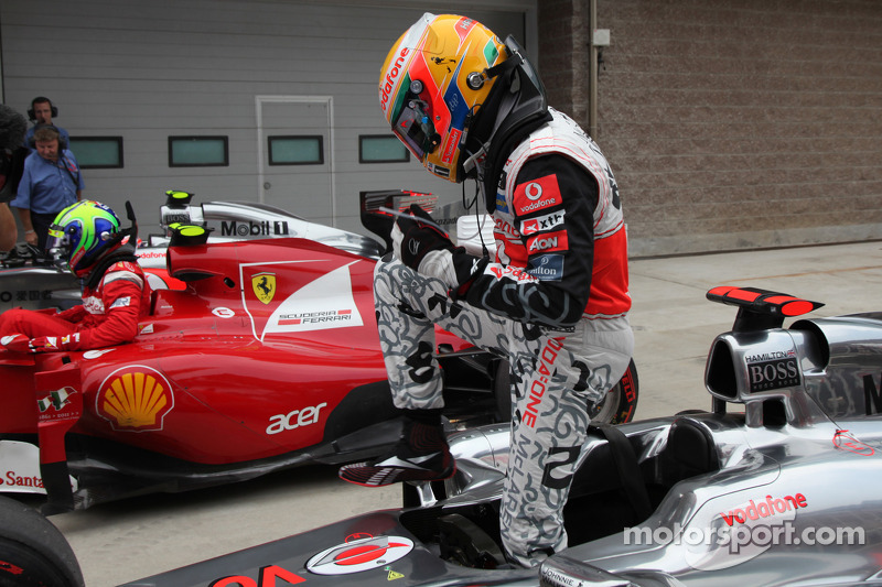 Con un diseño especial en el mono, Hamilton lograba su única pole en 2011 en el GP de Corea