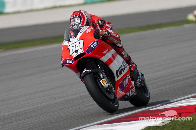 2011: Ducati, 8º no campeonato (132 pts), 1 pódio, 17 corridas