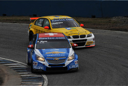 Alain Menu, Chevrolet Cruze 1.6T, Chevrolet and Colin Turkington, BMW 320 TC, Aviva-Cofco Wiechers-Sport
