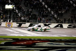 Checkered flags for Kevin Harvick
