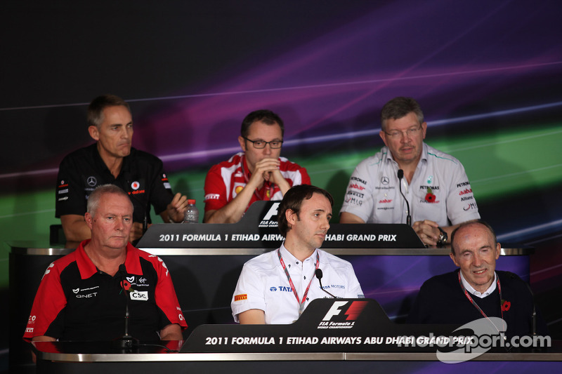 Martin Whitmarsh, McLaren, Chief Executive Officer with Stefano Domenicali Ferrari General Director, Ross Brawn Team Principal, Mercedes GP, John Booth, Saul Ruiz de Marcos and Sir Frank Williams, AT&T Williams, Team Chief, Managing Director, Team Princip