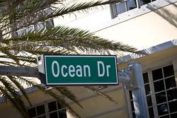 Ocean Drive ambience