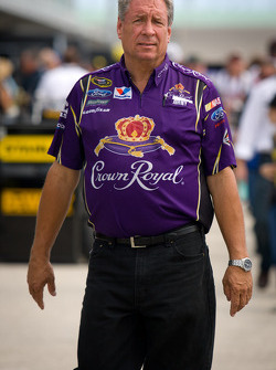 Crew chief Jimmy Fennig
