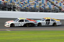 Joey Logano, Joe Gibbs Racing Toyota et Kyle Busch, Joe Gibbs Racing Toyota