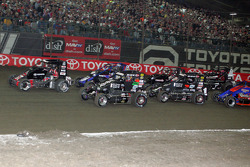 Kevin Swindell brings the field to the green flag