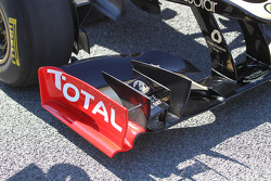 Kimi Raikkonen, Lotus Renault F1 Team Front wing