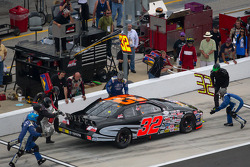 Pit stop for Chris Windom
