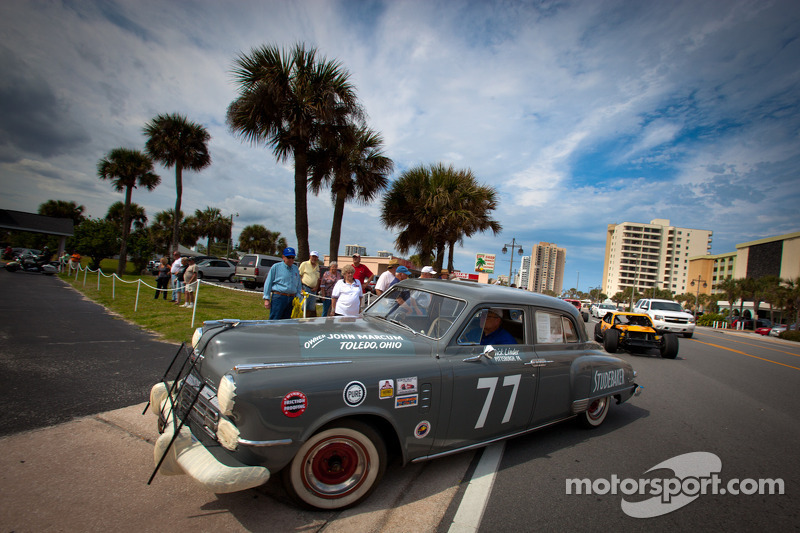 """Living legends of auto racing street parade"""